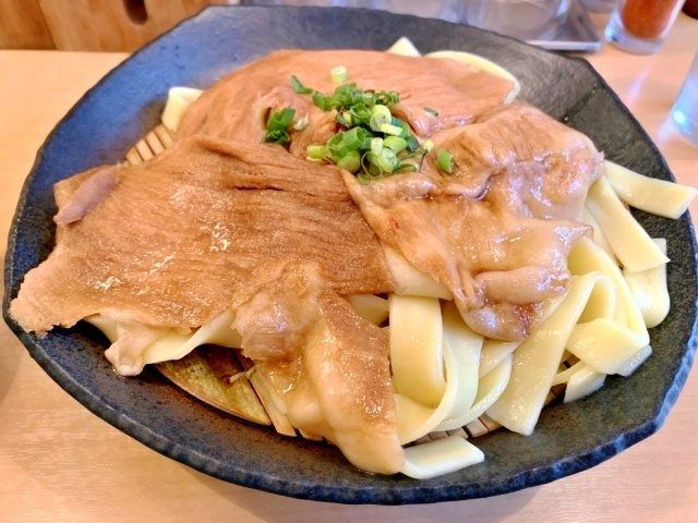 とろ肉つけ麺 魚とん (10)