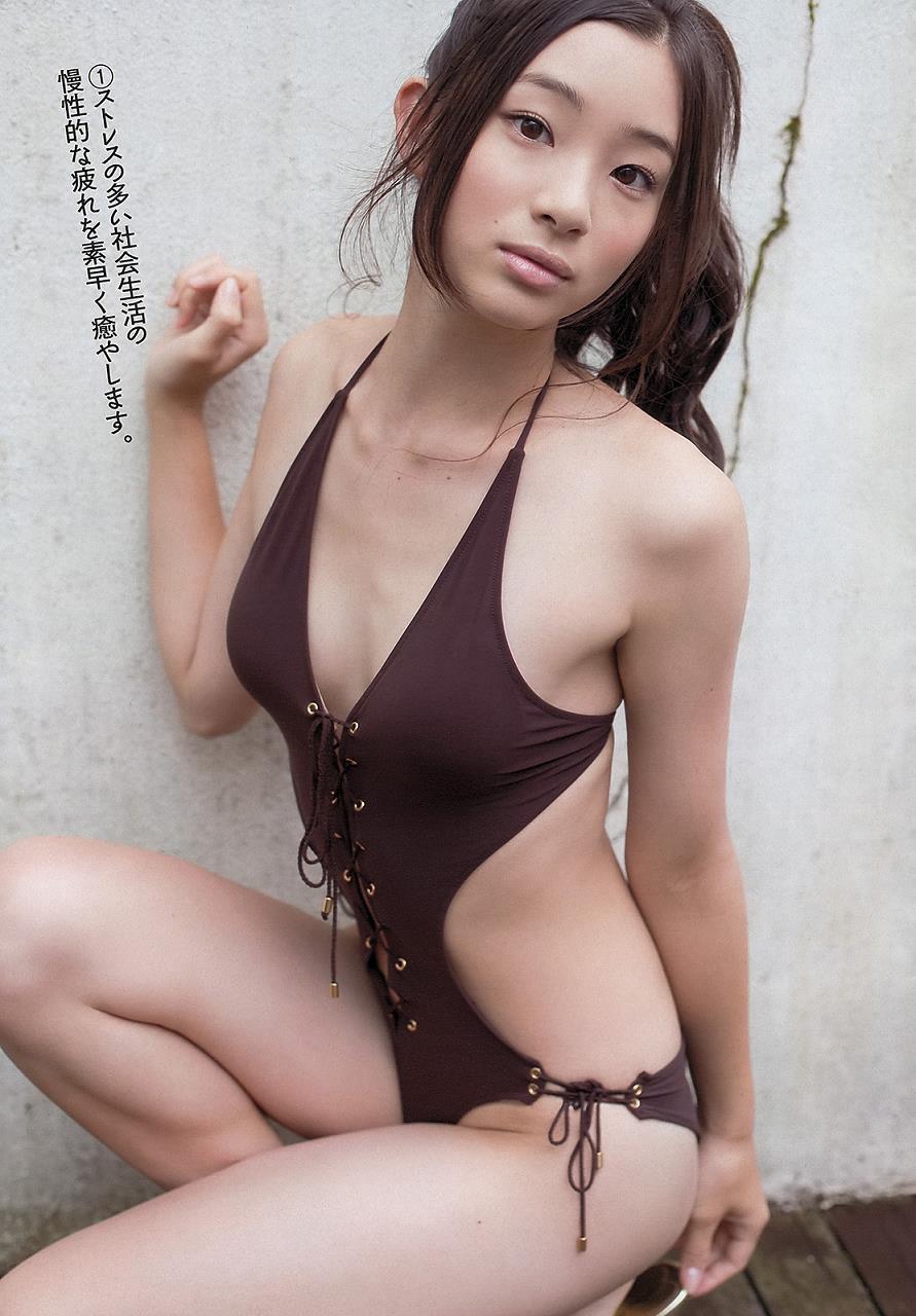 adachi_rika041.jpg