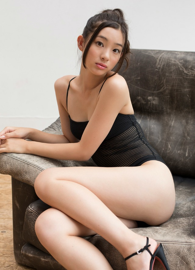 adachi_rika044.jpg