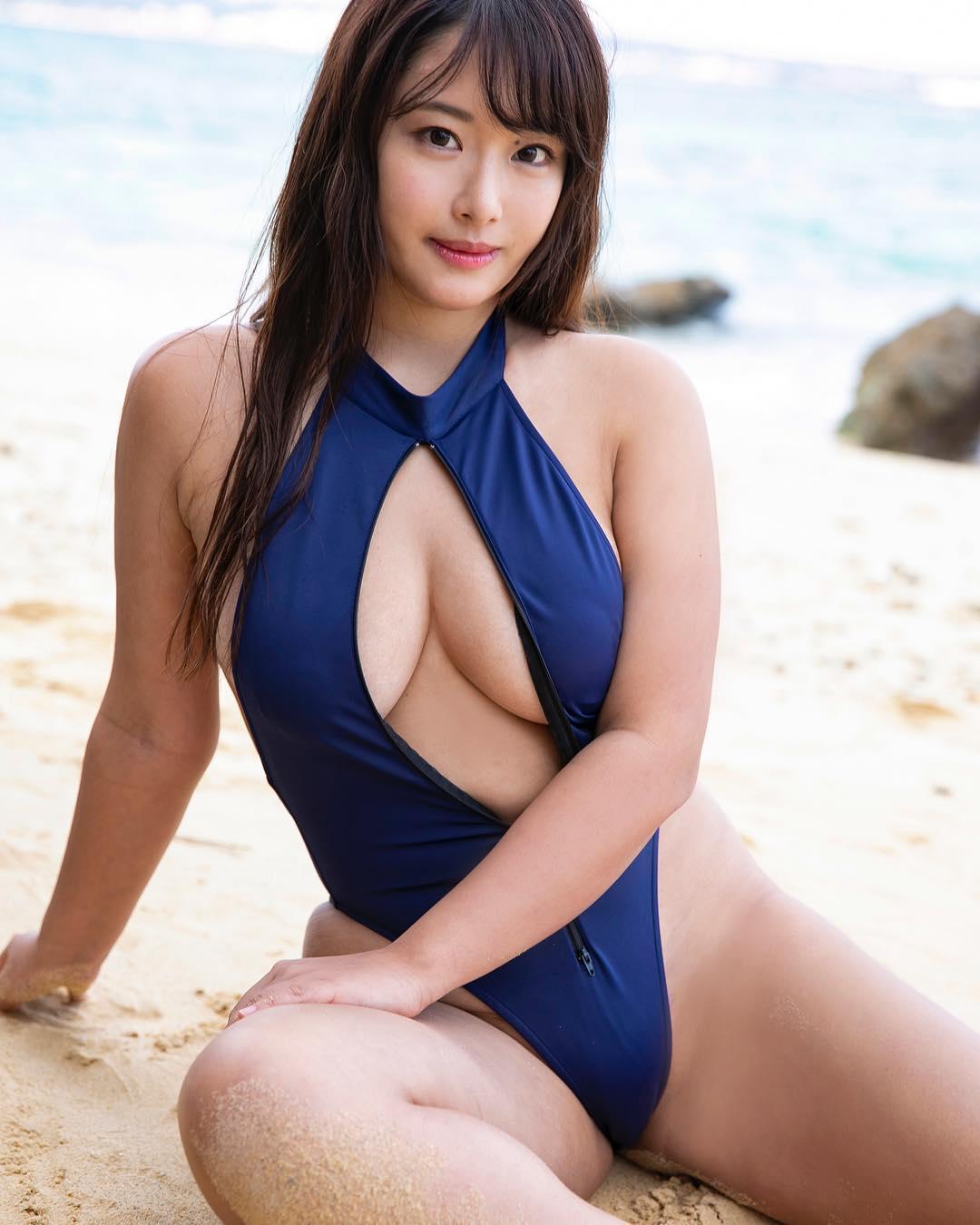 akiyama_kaho012.jpg