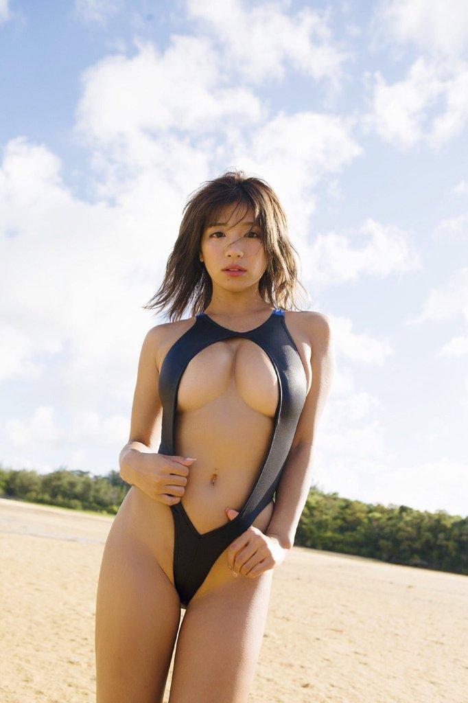 hazuki_aya105.jpg