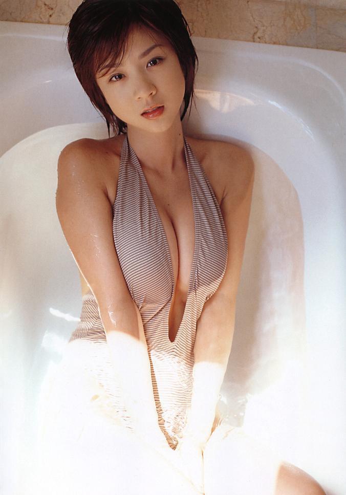 hoshino_aki102.jpg