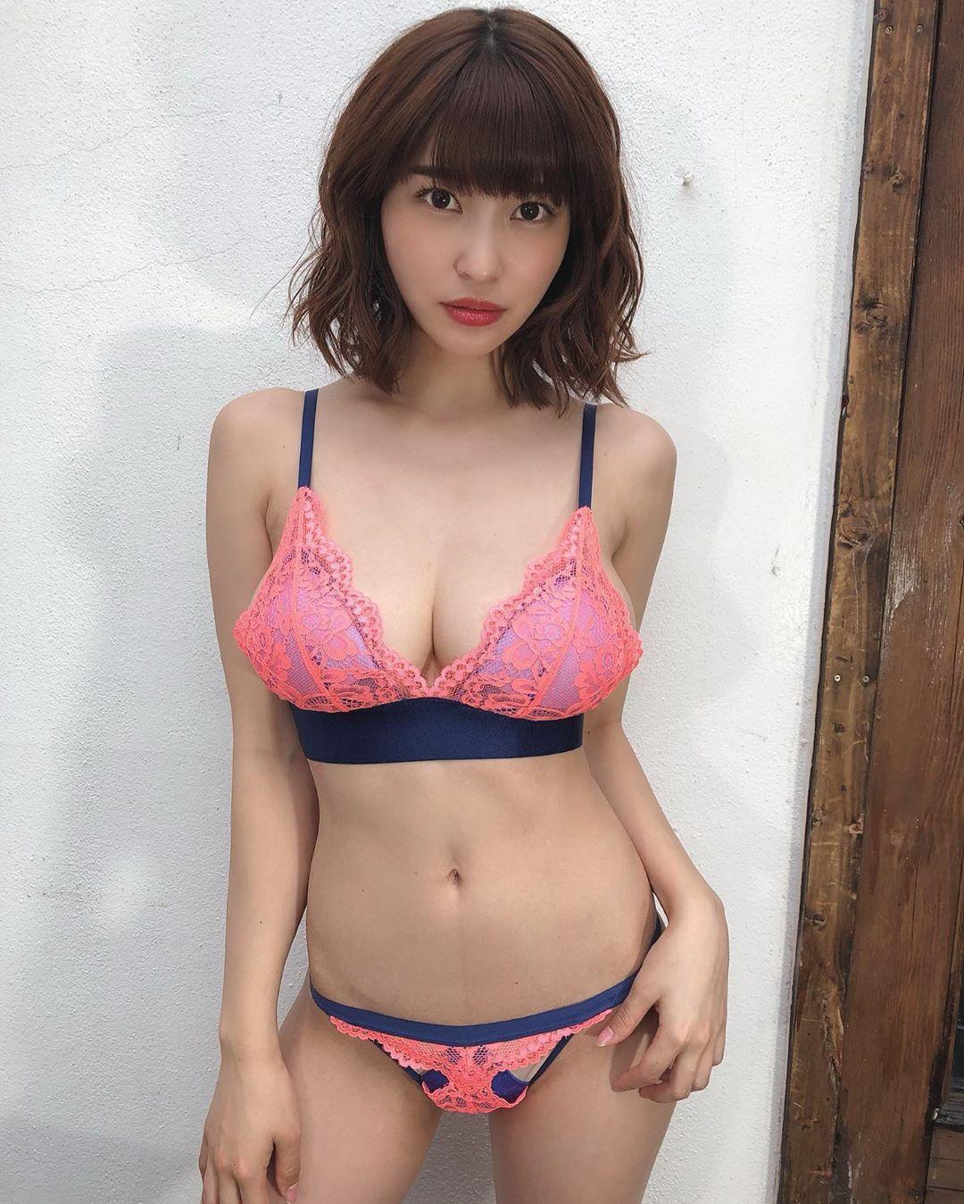 kishi_asuka194.jpg