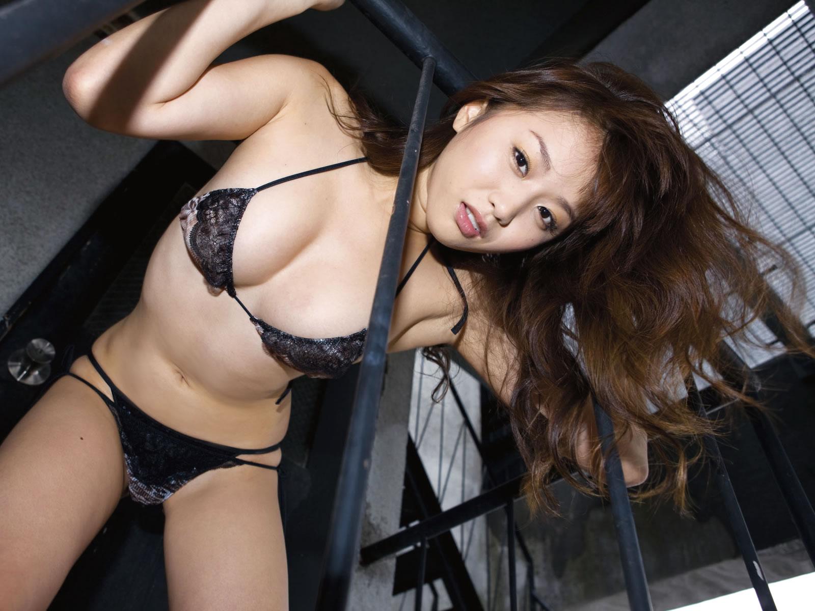 ohta_akina165.jpg