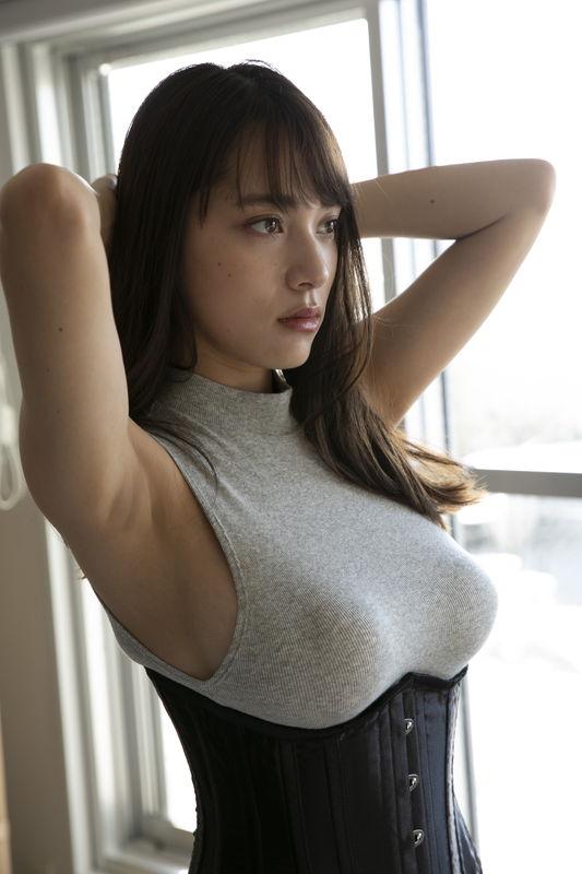tomaru_sayaka019.jpg