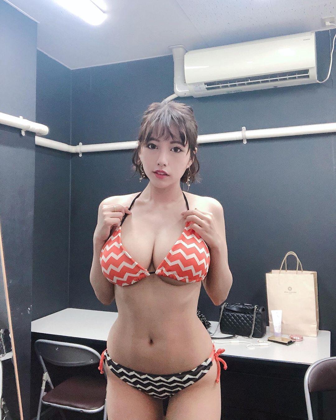 vanessa_pan149.jpg