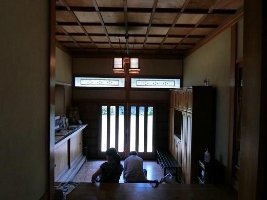 お花茶屋玄関内側