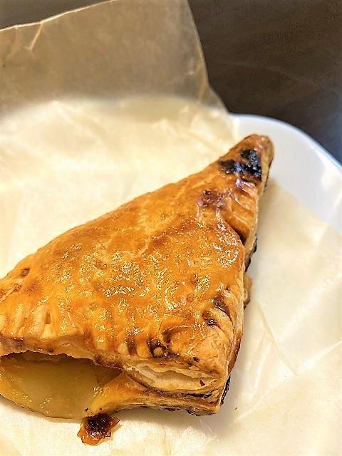カフェ 余目製パン アップルパイ