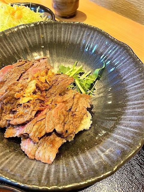 肉屋食堂 ステーキ丼