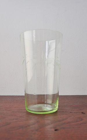 ウラン硝子のコップ 1