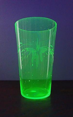 ウラン硝子のコップ 2