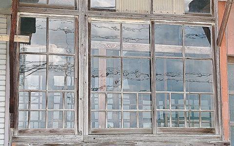 窓硝子 1