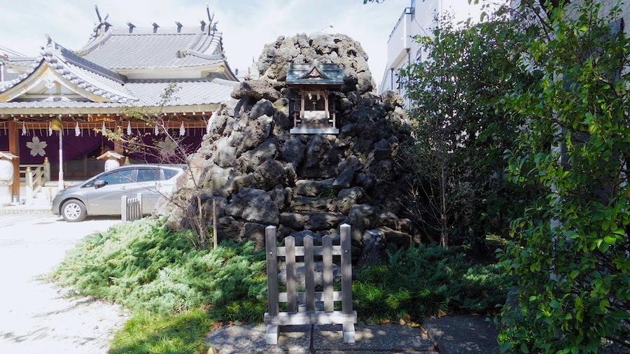 「松原のお富士さん」