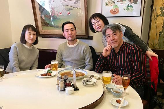 家族みんなでお昼ご飯