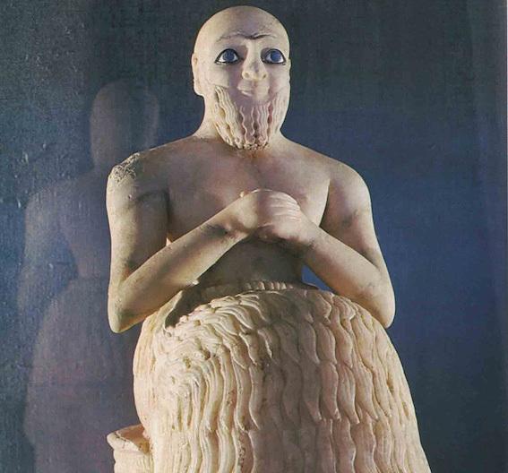 エビフ・イルの像 写真