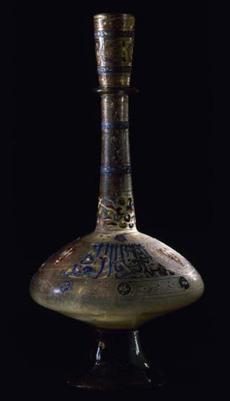 トゥクズティムールの紋のある瓶 写真