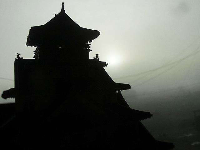 霧の大阪城
