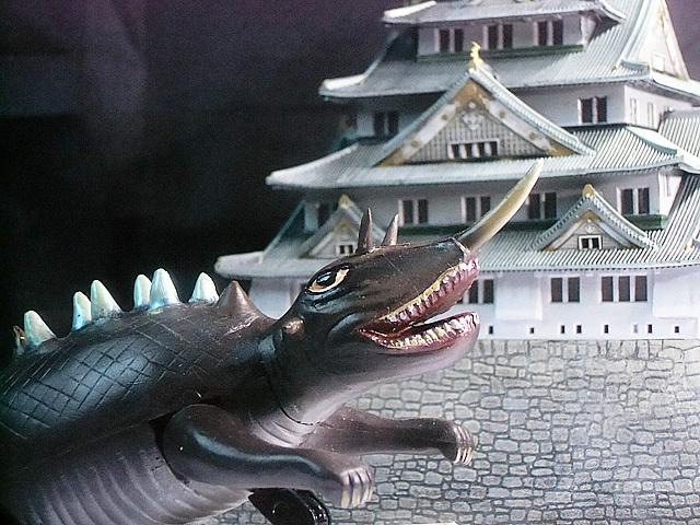 大阪城とバルゴン