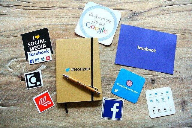フェイスブックやブログではダメなのですか?