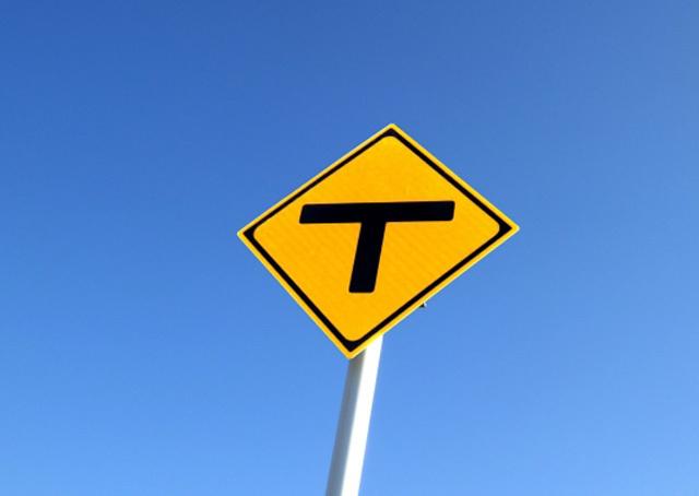 T路路標識イメージ
