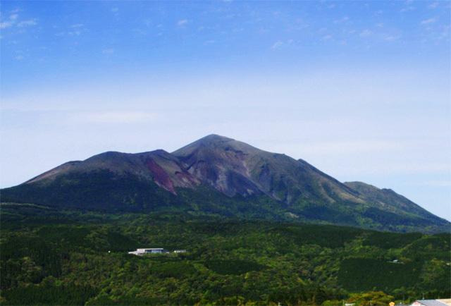 高千穂峰(たかちほのみね)