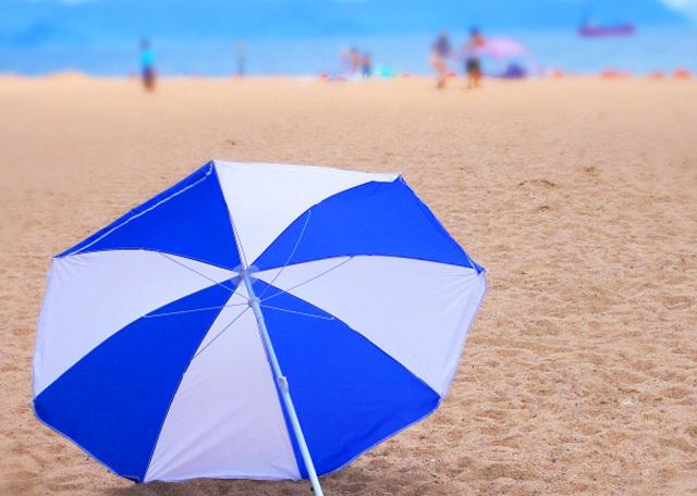 海水浴砂浜イメージ