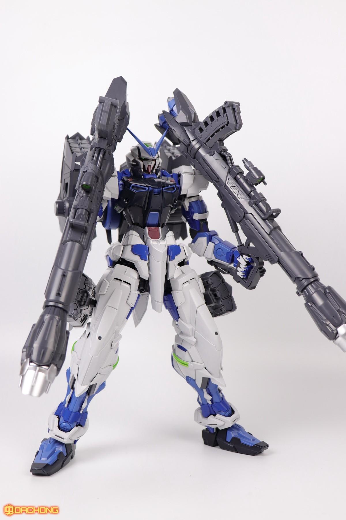 S306_blue_frame_astray_60_060.jpg