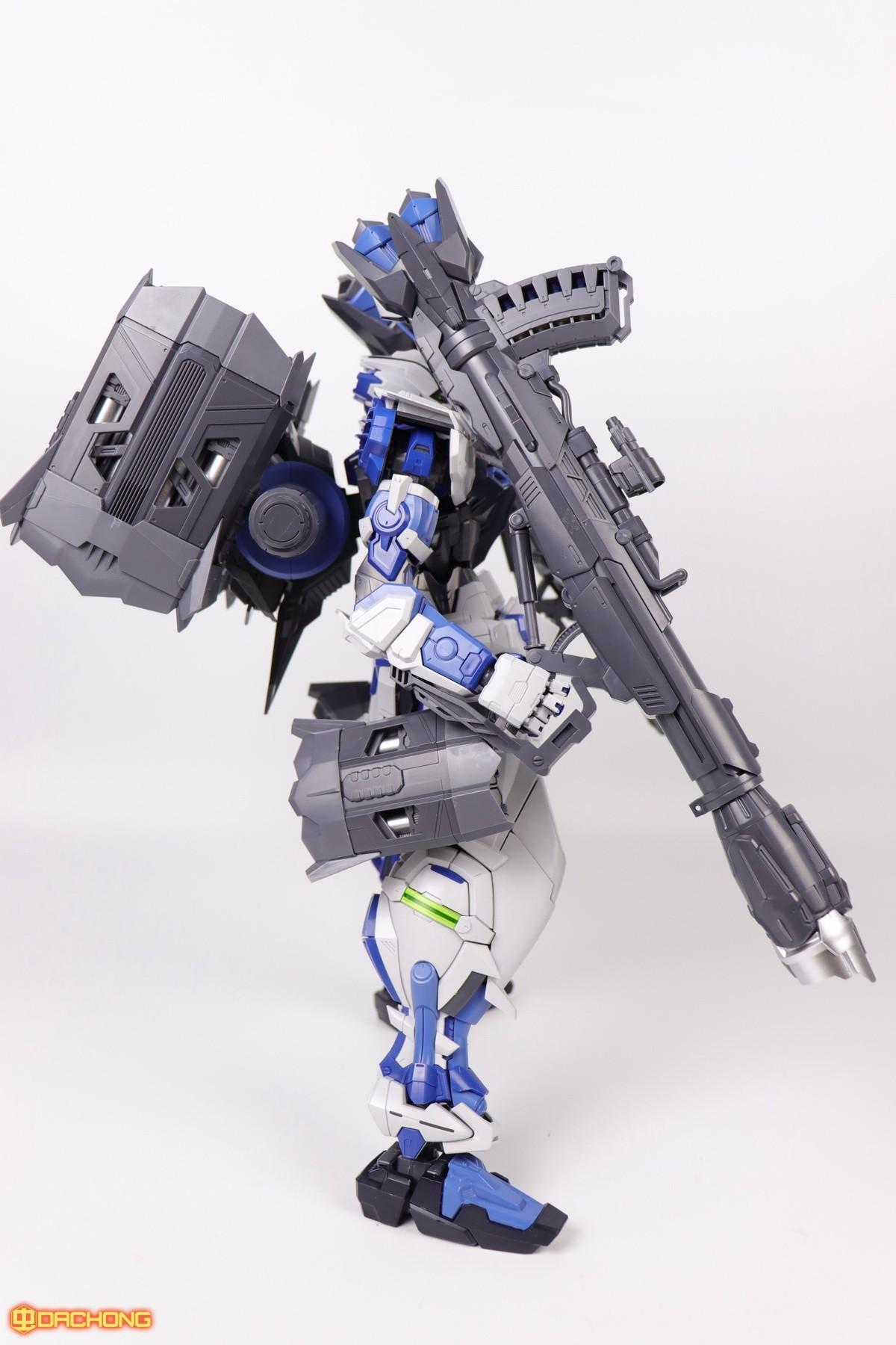 S306_blue_frame_astray_60_061.jpg