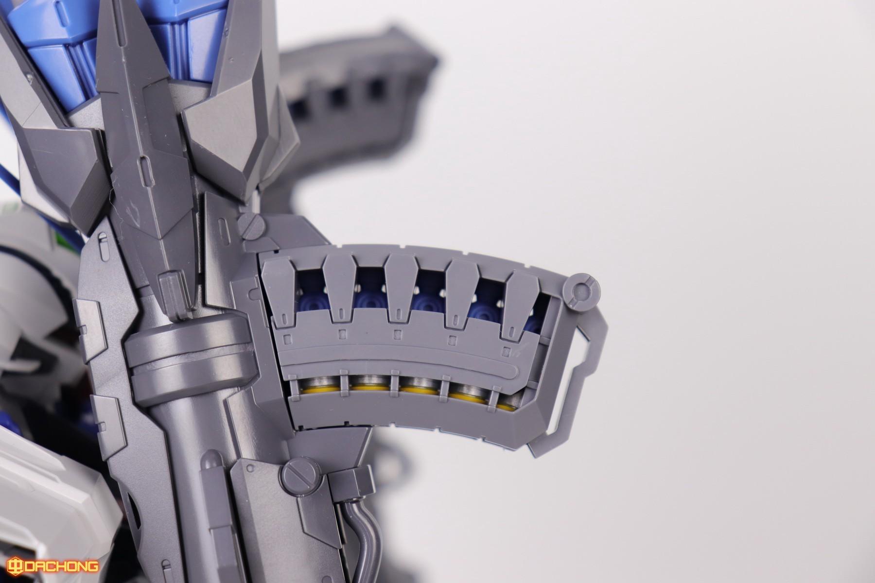 S306_blue_frame_astray_60_062.jpg