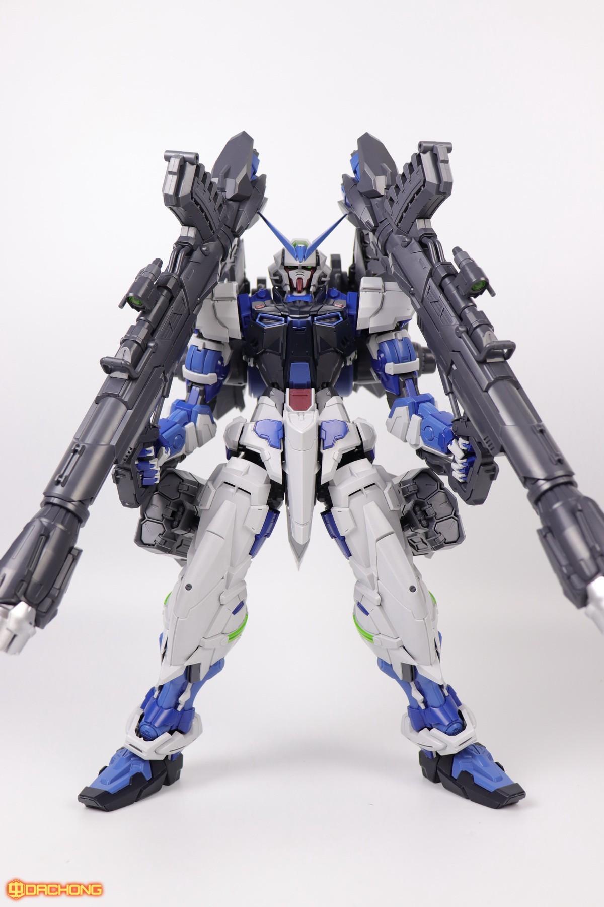 S306_blue_frame_astray_60_063.jpg