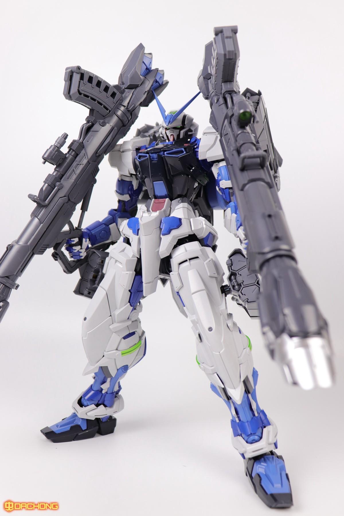 S306_blue_frame_astray_60_064.jpg