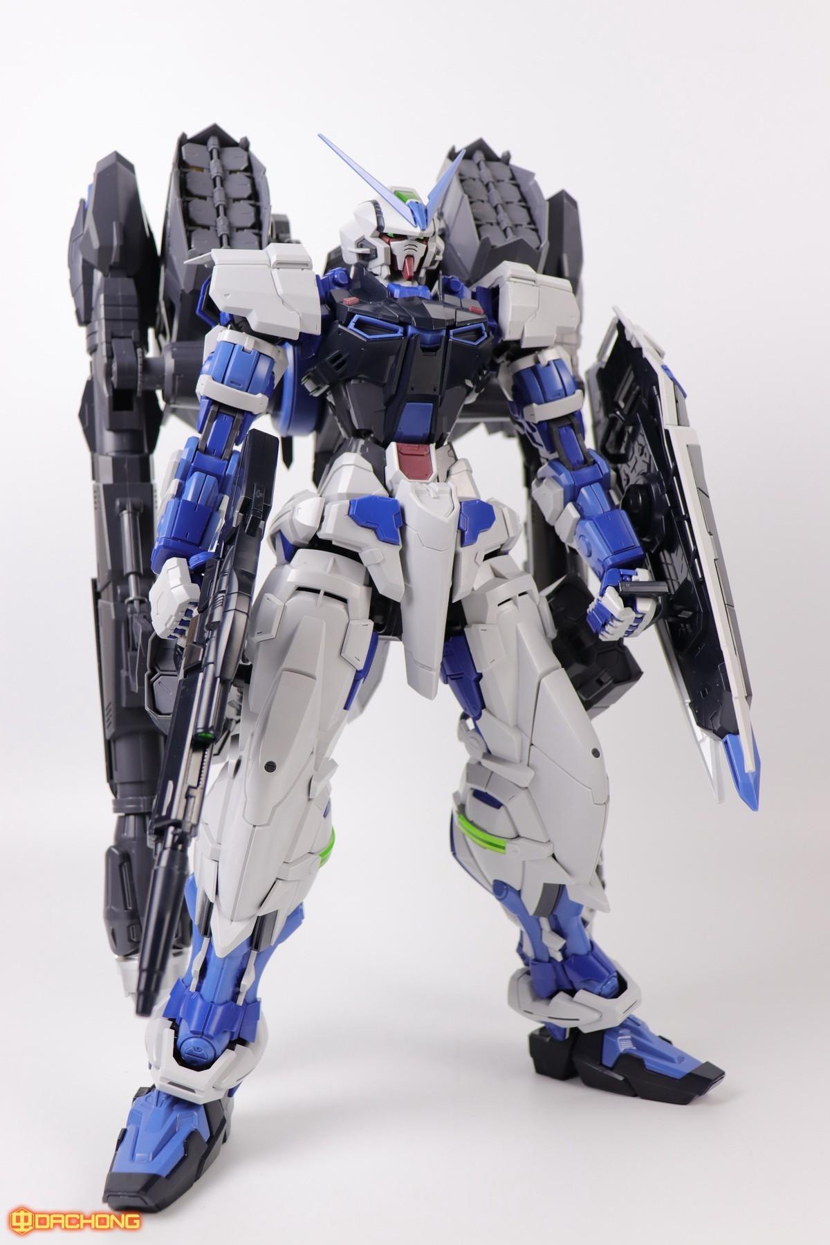 S306_blue_frame_astray_60_077.jpg