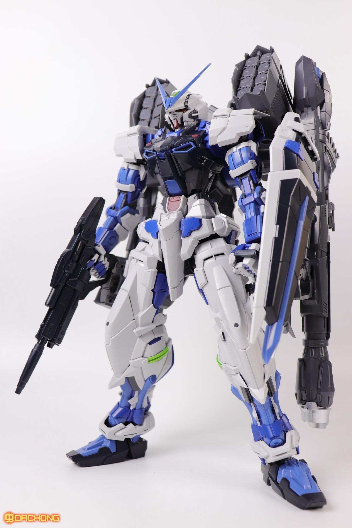 S306_blue_frame_astray_60_078.jpg
