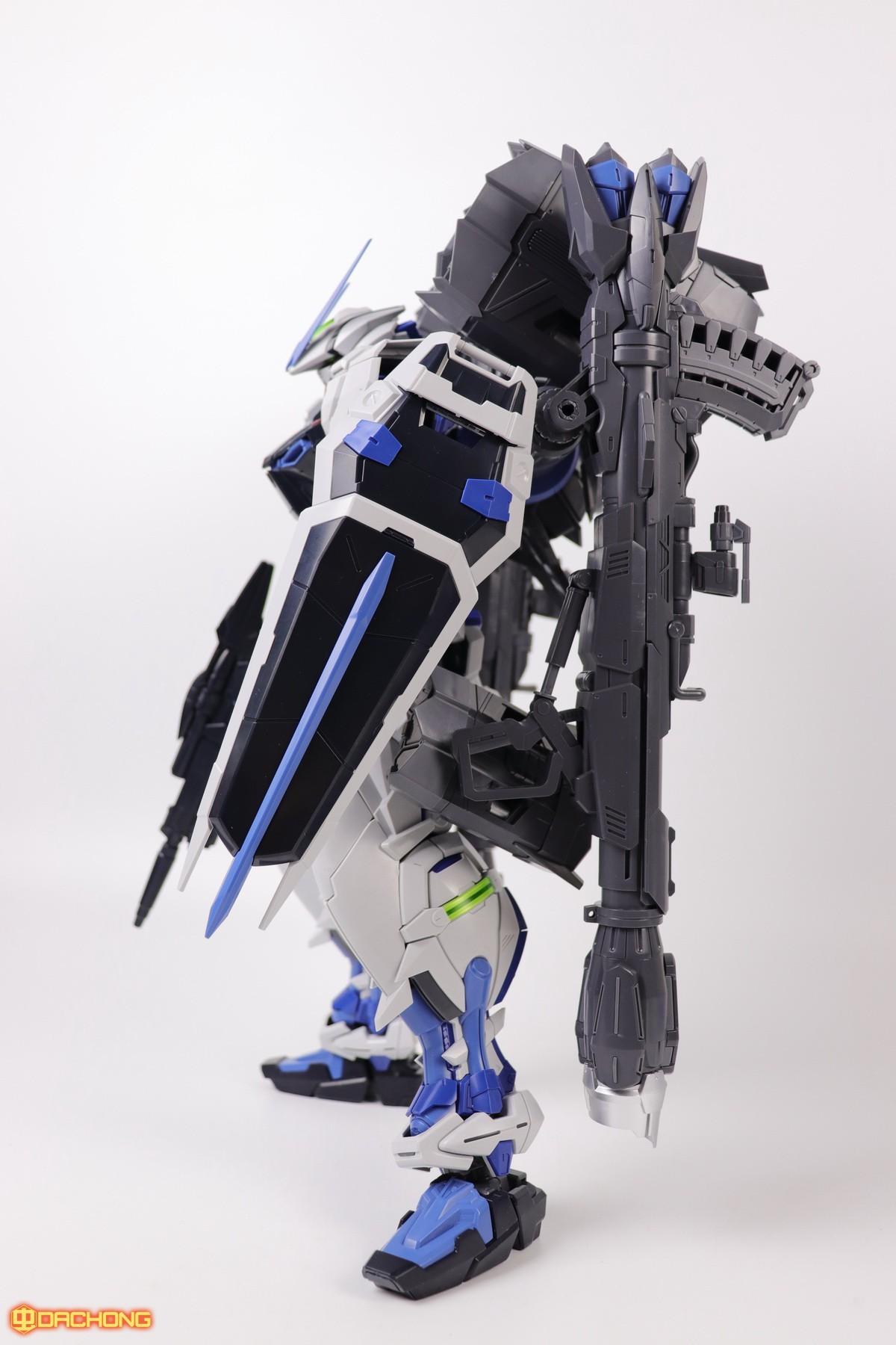 S306_blue_frame_astray_60_079.jpg