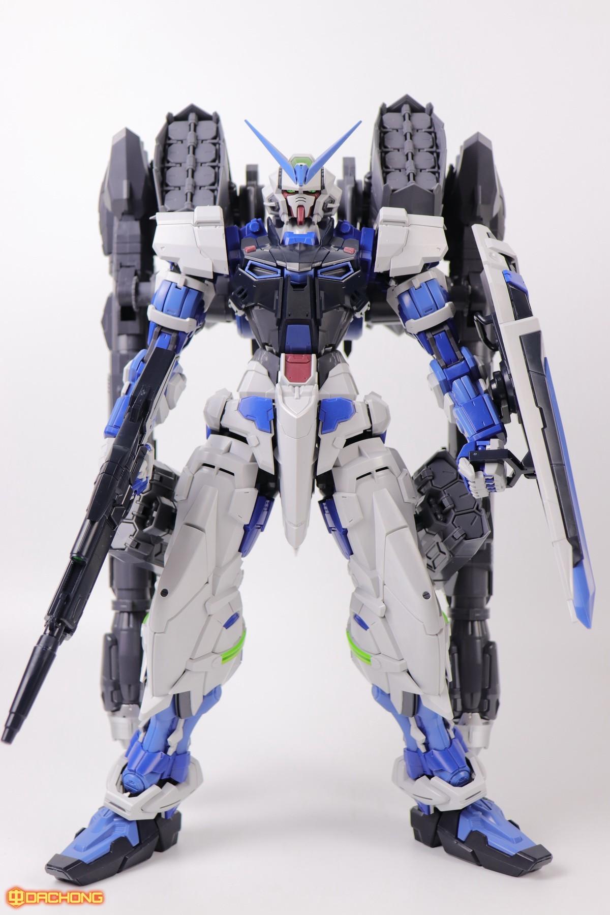 S306_blue_frame_astray_60_080.jpg