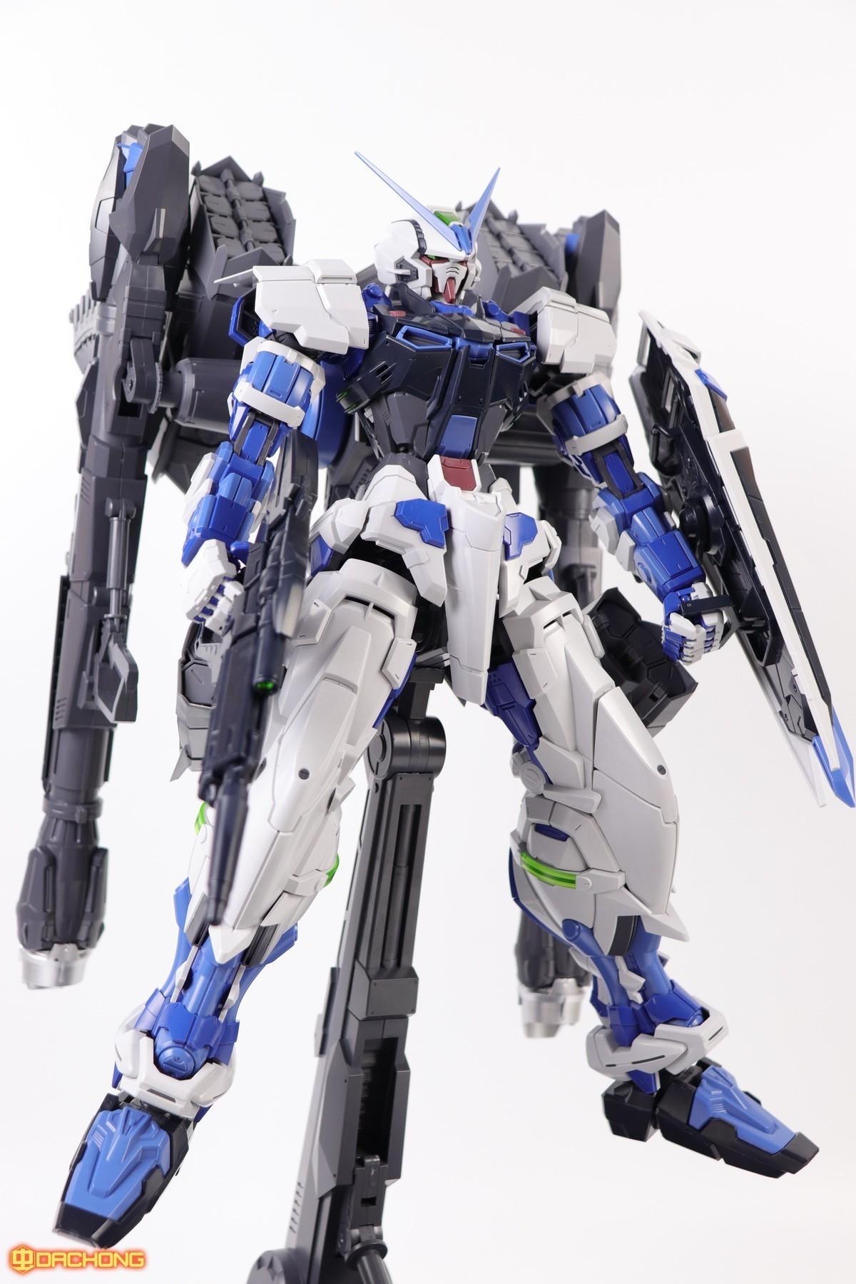 S306_blue_frame_astray_60_081.jpg