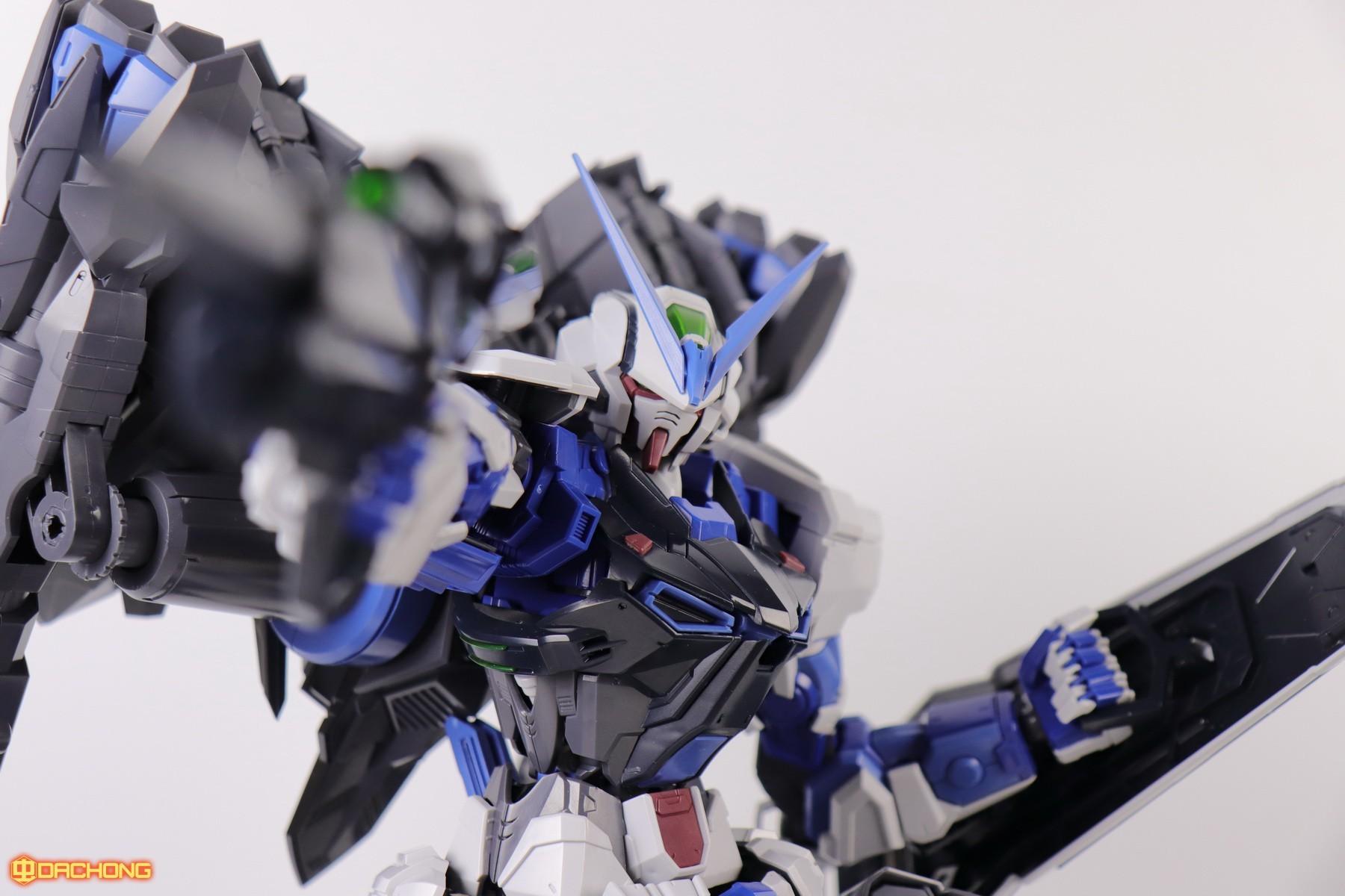 S306_blue_frame_astray_60_083.jpg