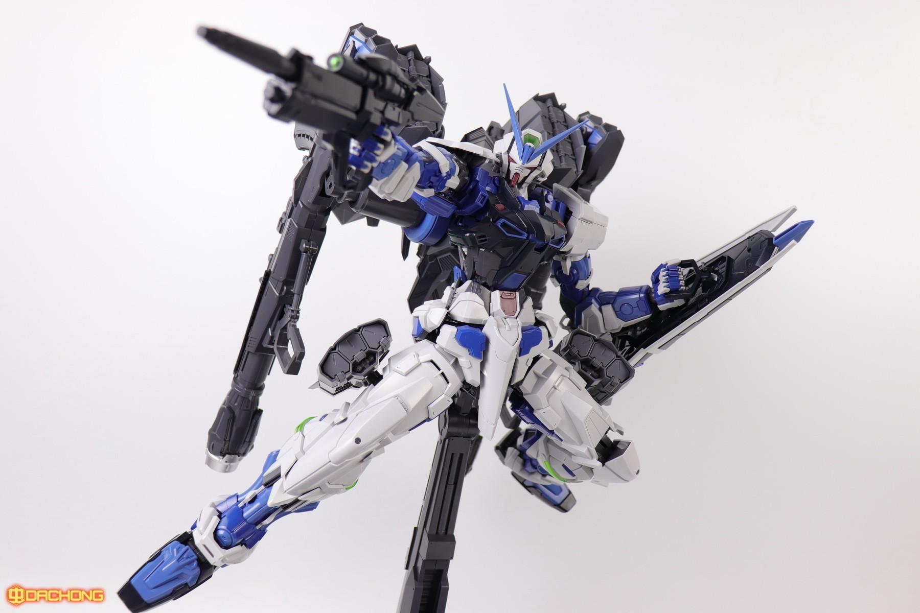 S306_blue_frame_astray_60_084.jpg