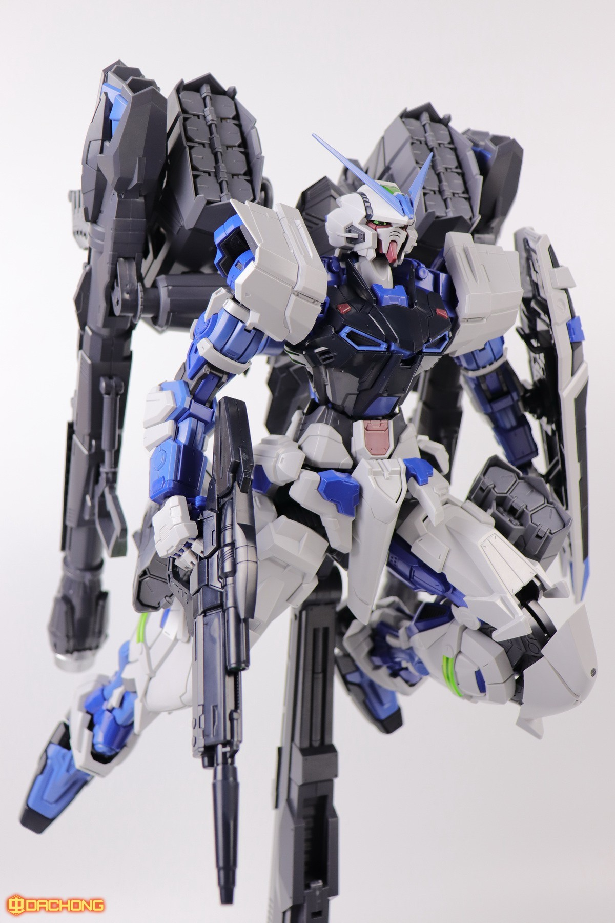 S306_blue_frame_astray_60_085.jpg