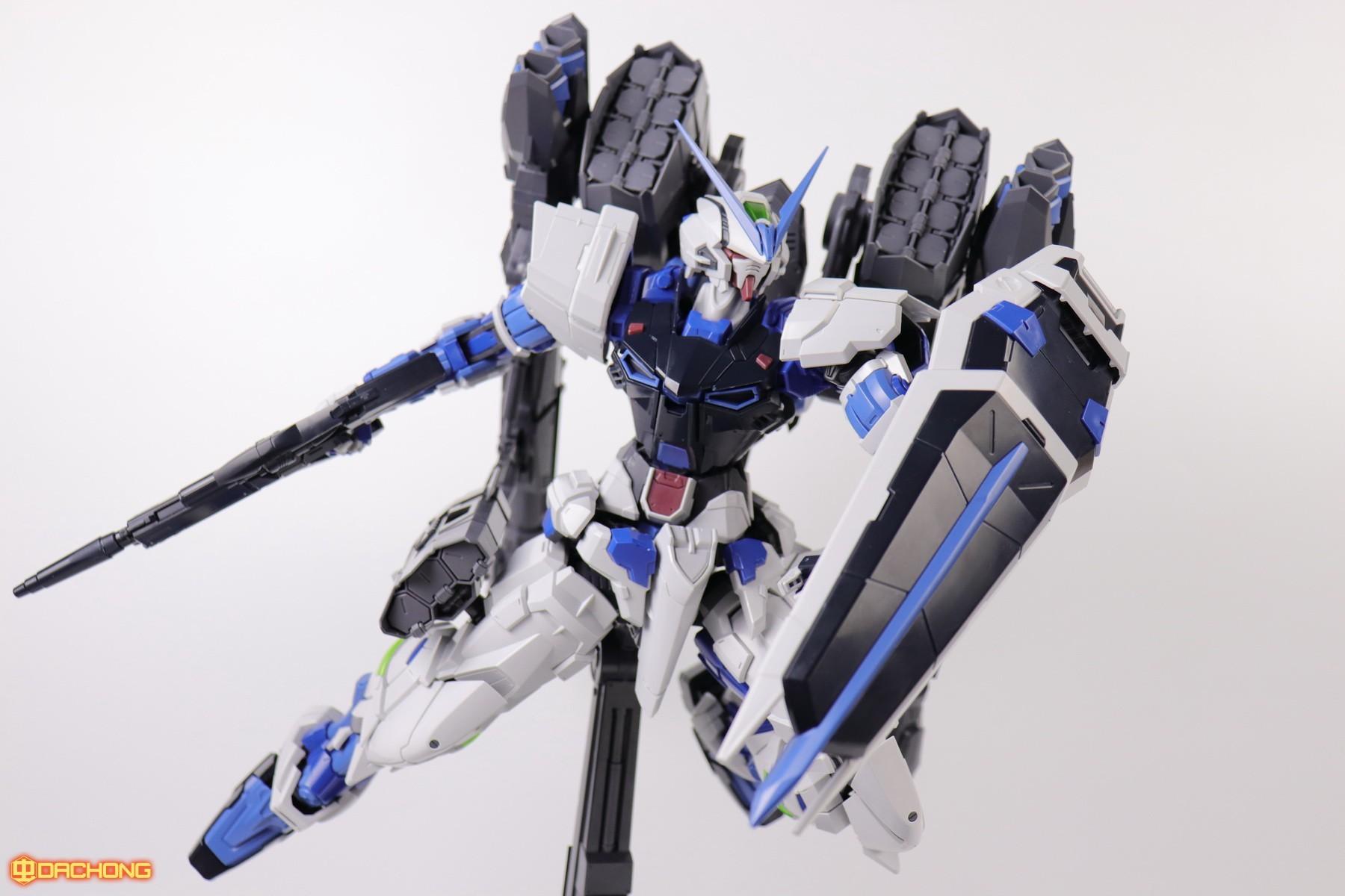 S306_blue_frame_astray_60_086.jpg