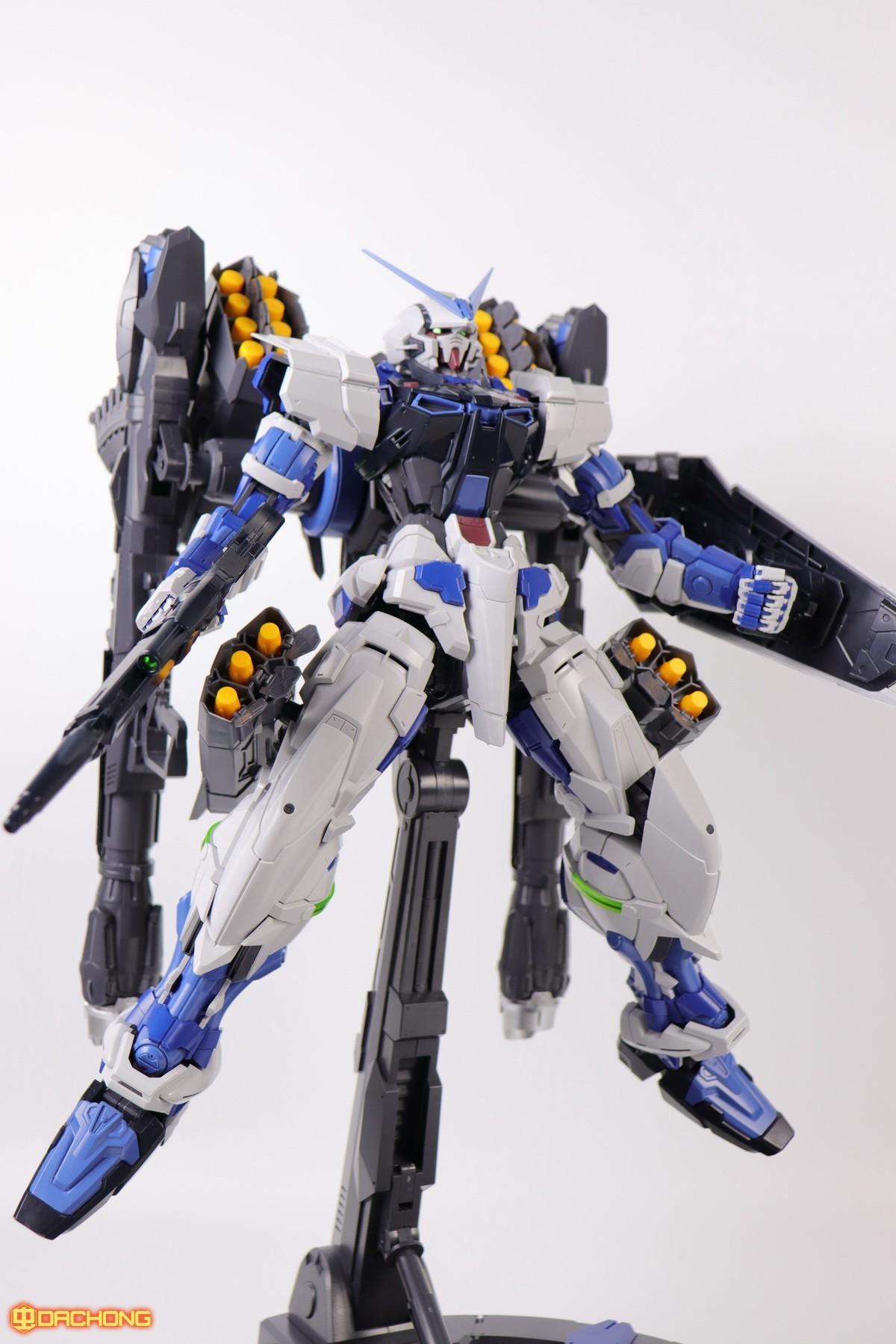 S306_blue_frame_astray_60_087.jpg