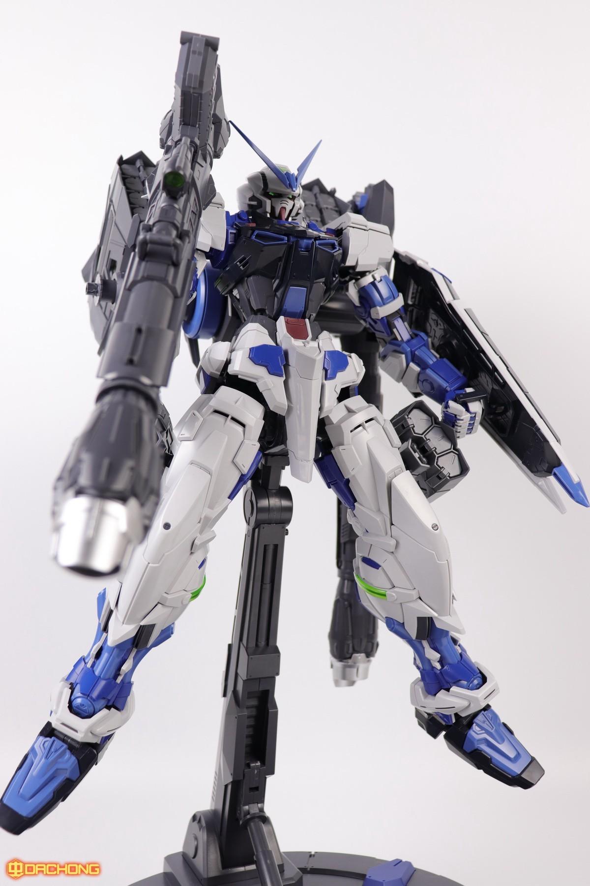 S306_blue_frame_astray_60_088.jpg