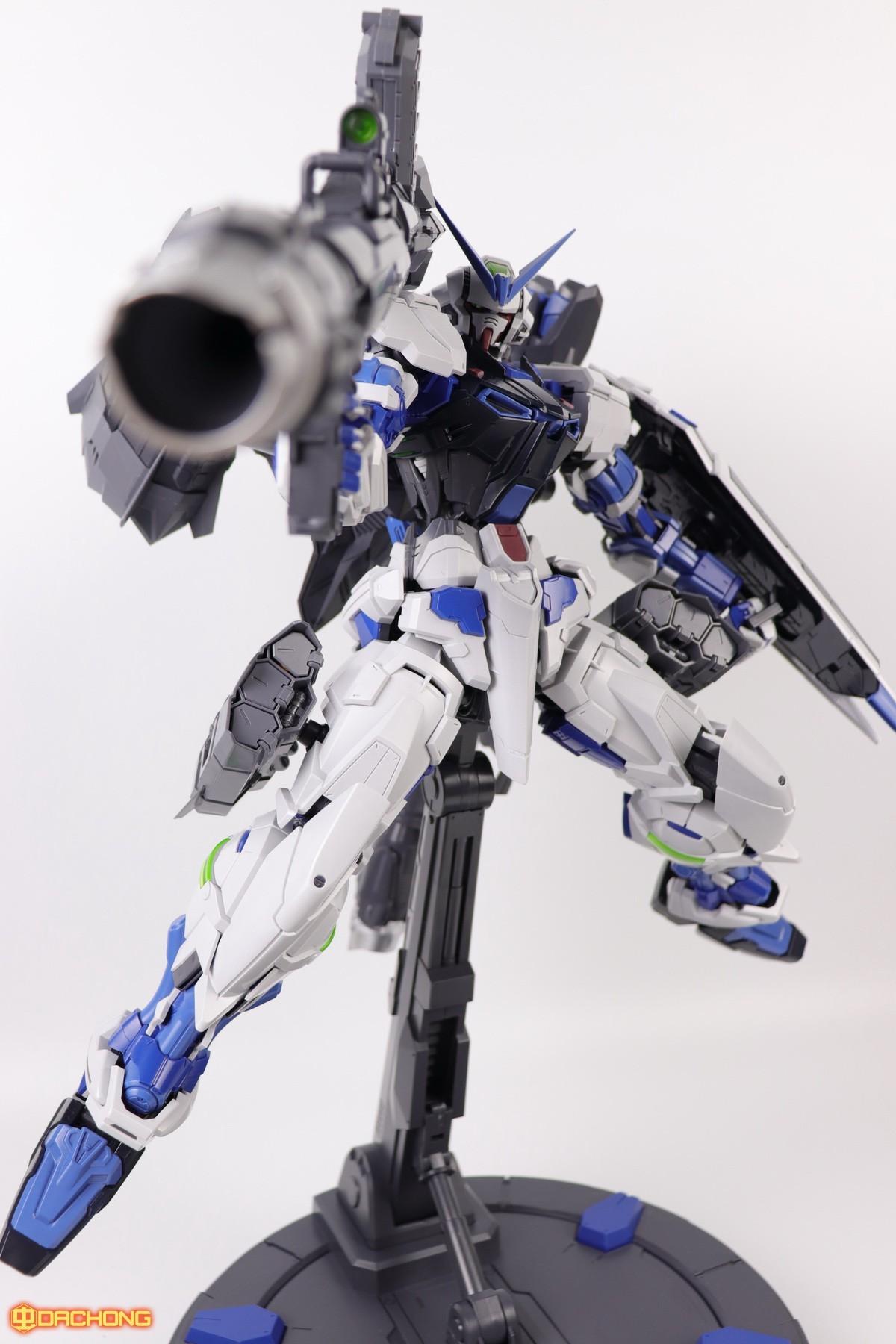 S306_blue_frame_astray_60_089.jpg