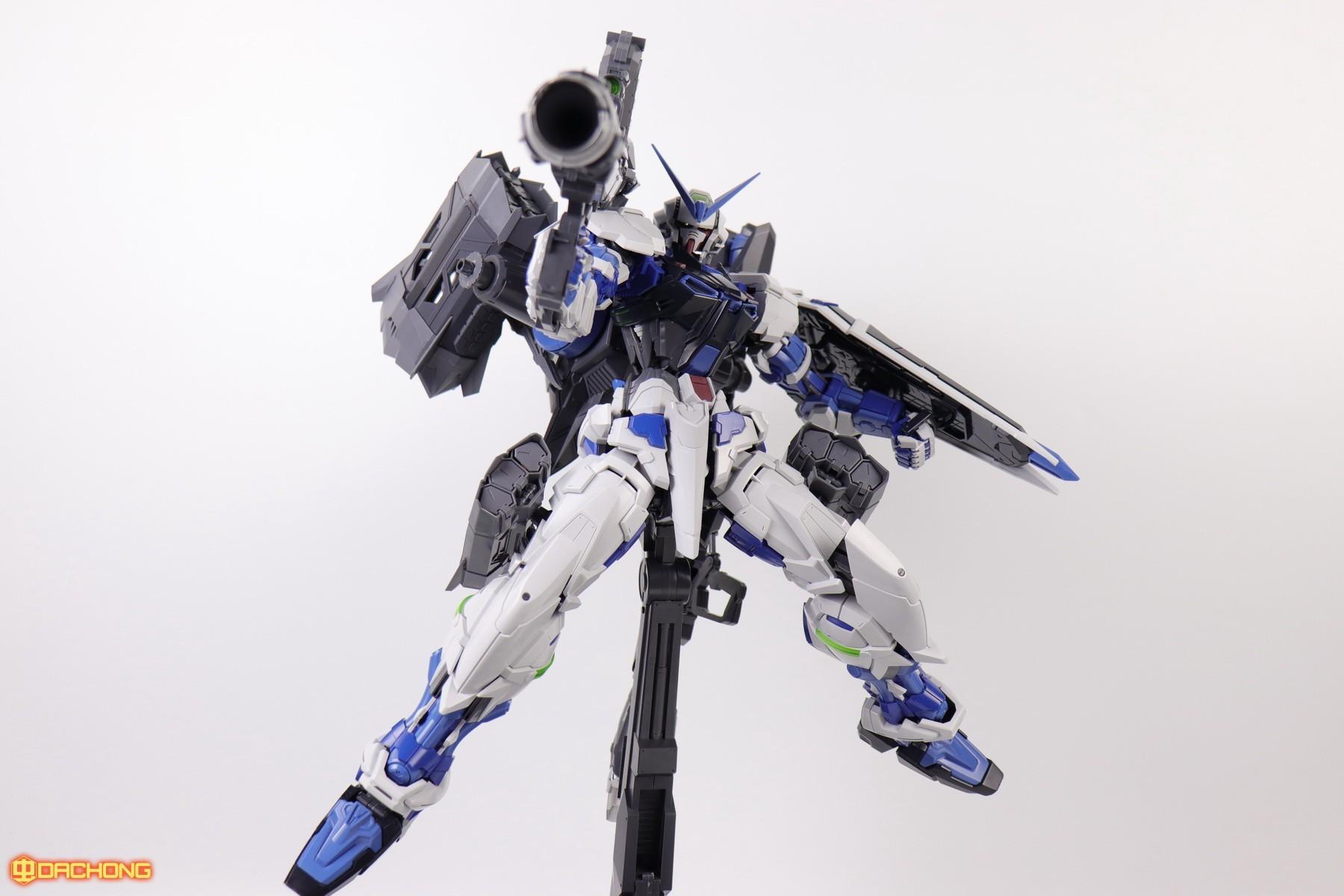 S306_blue_frame_astray_60_090.jpg
