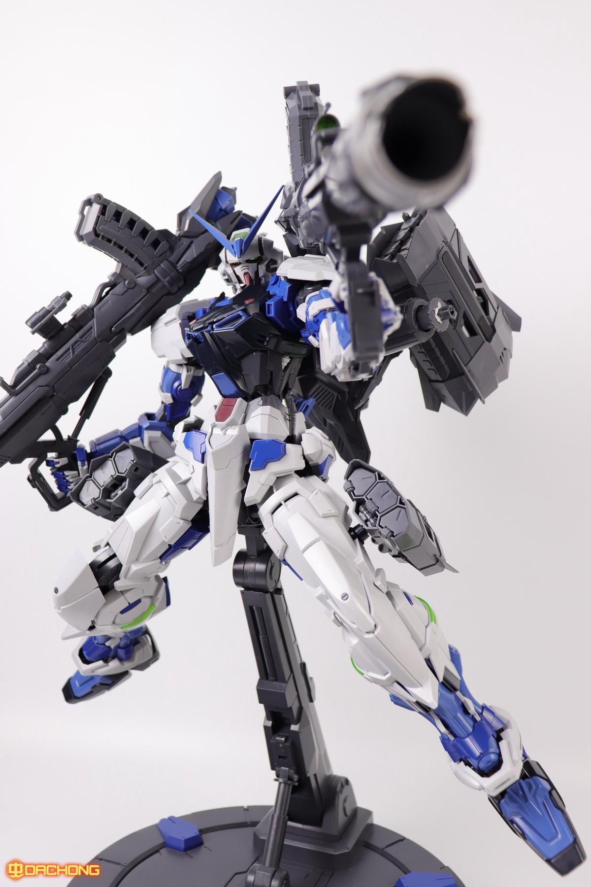 S306_blue_frame_astray_60_093.jpg