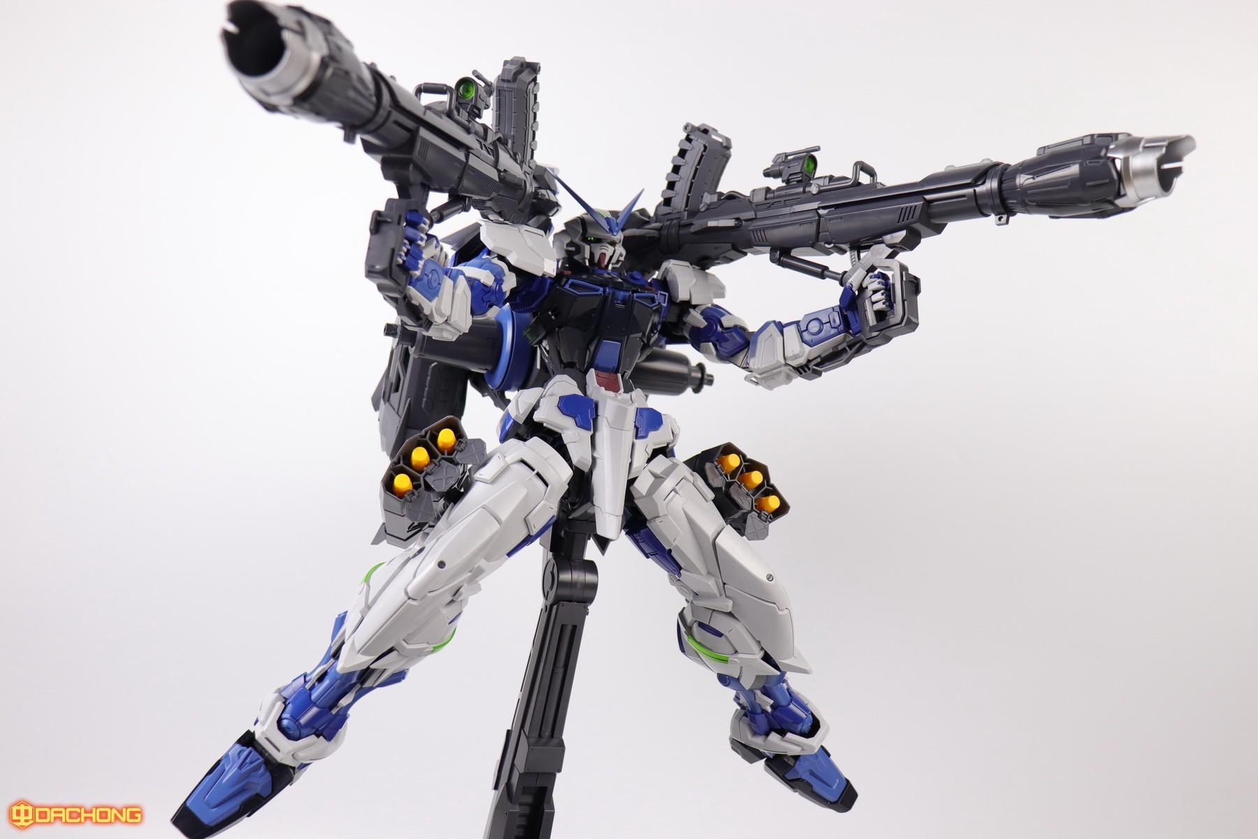 S306_blue_frame_astray_60_095.jpg