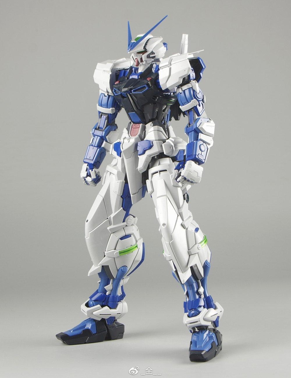 S306_blueframe_astray_048.jpg