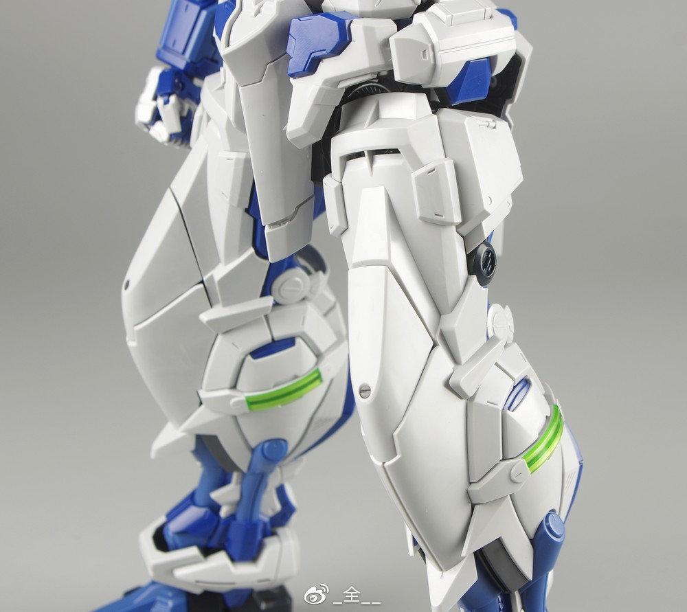 S306_blueframe_astray_062.jpg