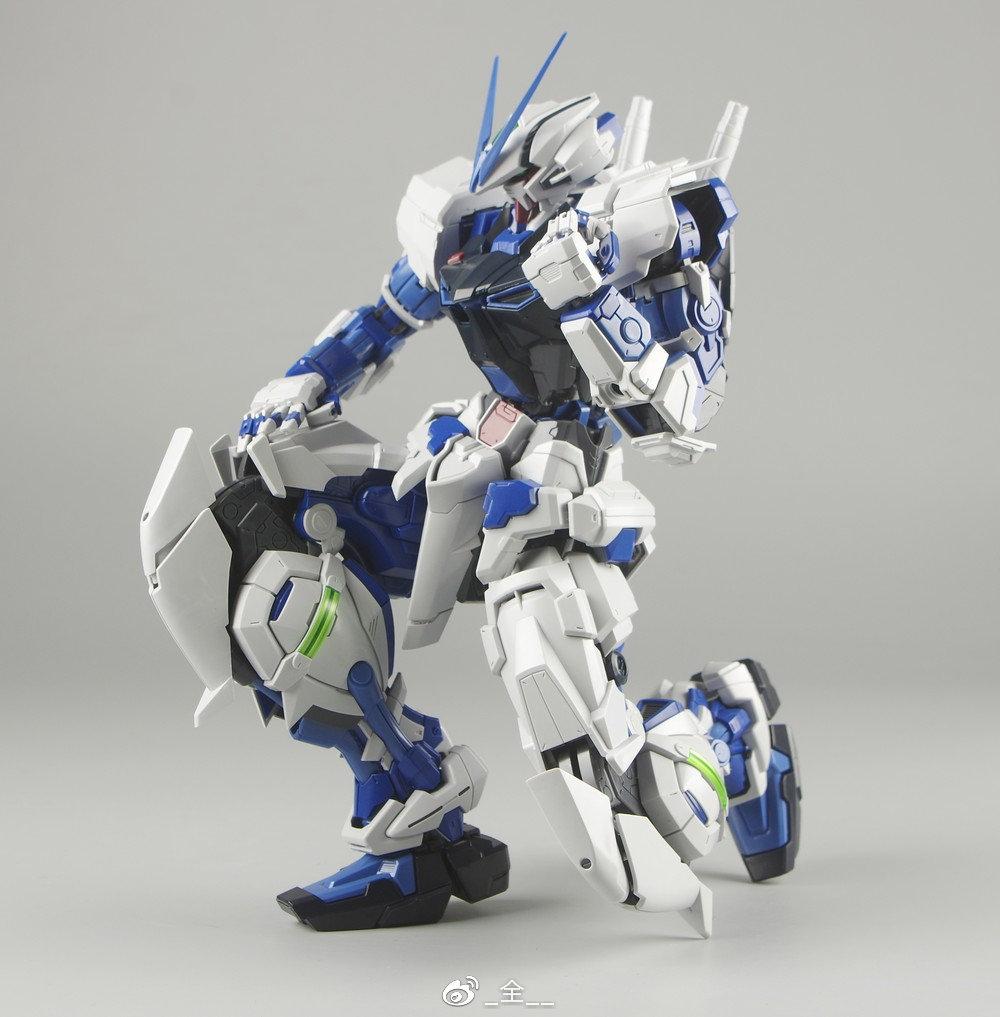 S306_blueframe_astray_069.jpg