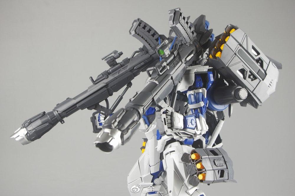 S306_blueframe_astray_083.jpg